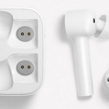 Беспроводная bluetooth-гарнитура Xiaomi Air (Mi True Wireless Earphones)
