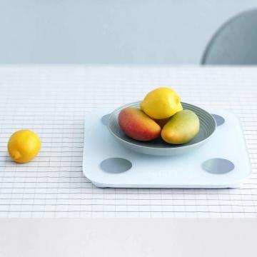 Умные весы Xiaomi Mi Body Composition Scale 2, закалённое стекло, диапазон измерения веса 100 г – 150 кг, шаг измерения 50 г, управление при помощи приложения Mi Fit, измеряют 13 показателей на основе биоимпедансного анализа (вес, уровень жира, уровень висцерального жира, уровень белка, мышечная масса, костная масса, уровень воды, основной обмен, индекс массы тела, оценка состояния тела, тип телосложения, возраст тела), функция контроля баланса тела, светодиодное табло, bluetooth 5.0, Киев